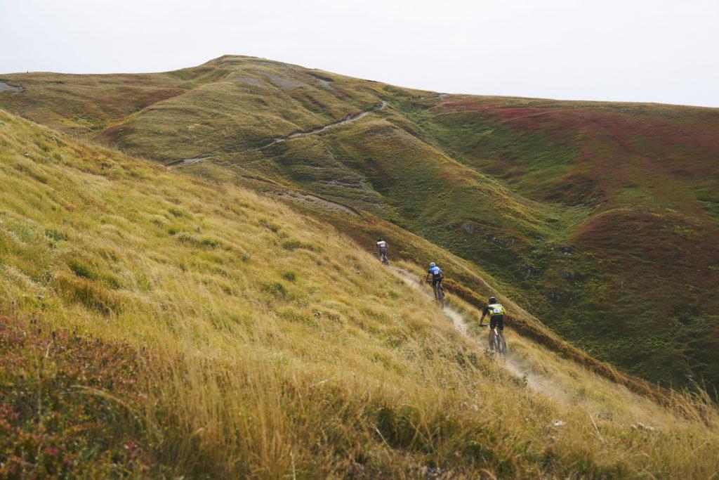 Climbing to the ridge Appenninica MTB